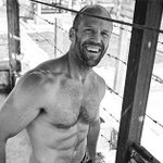 Image for the Tweet beginning: Jason Statham shares the transformation