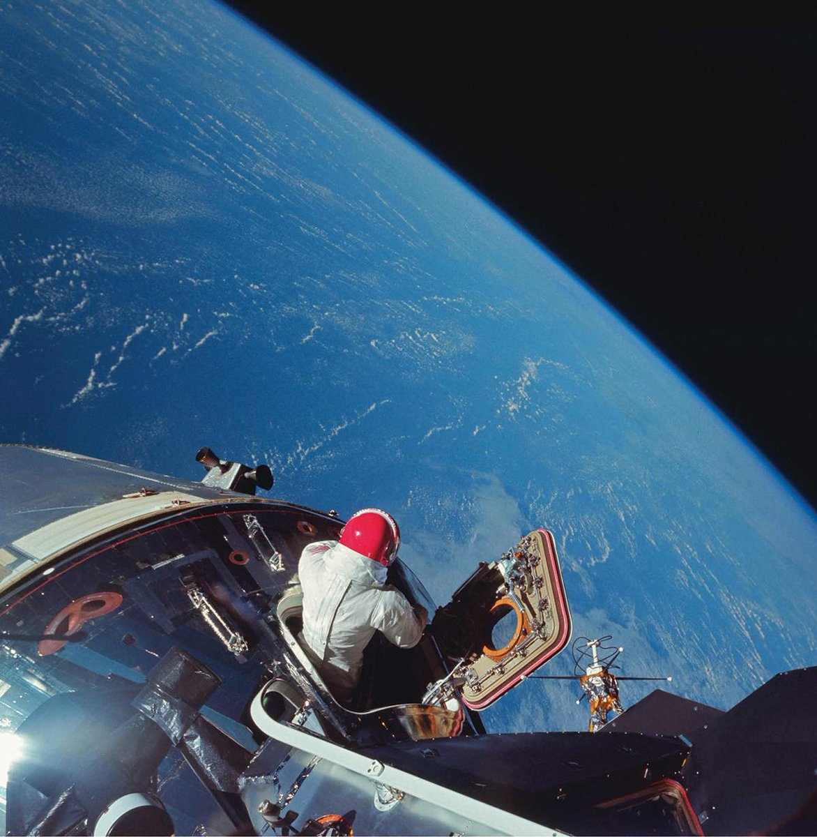 Blasts from the past: NASA's incredible photo archives capture 60 years of space travel https://t.co/WZBcBL8WRT