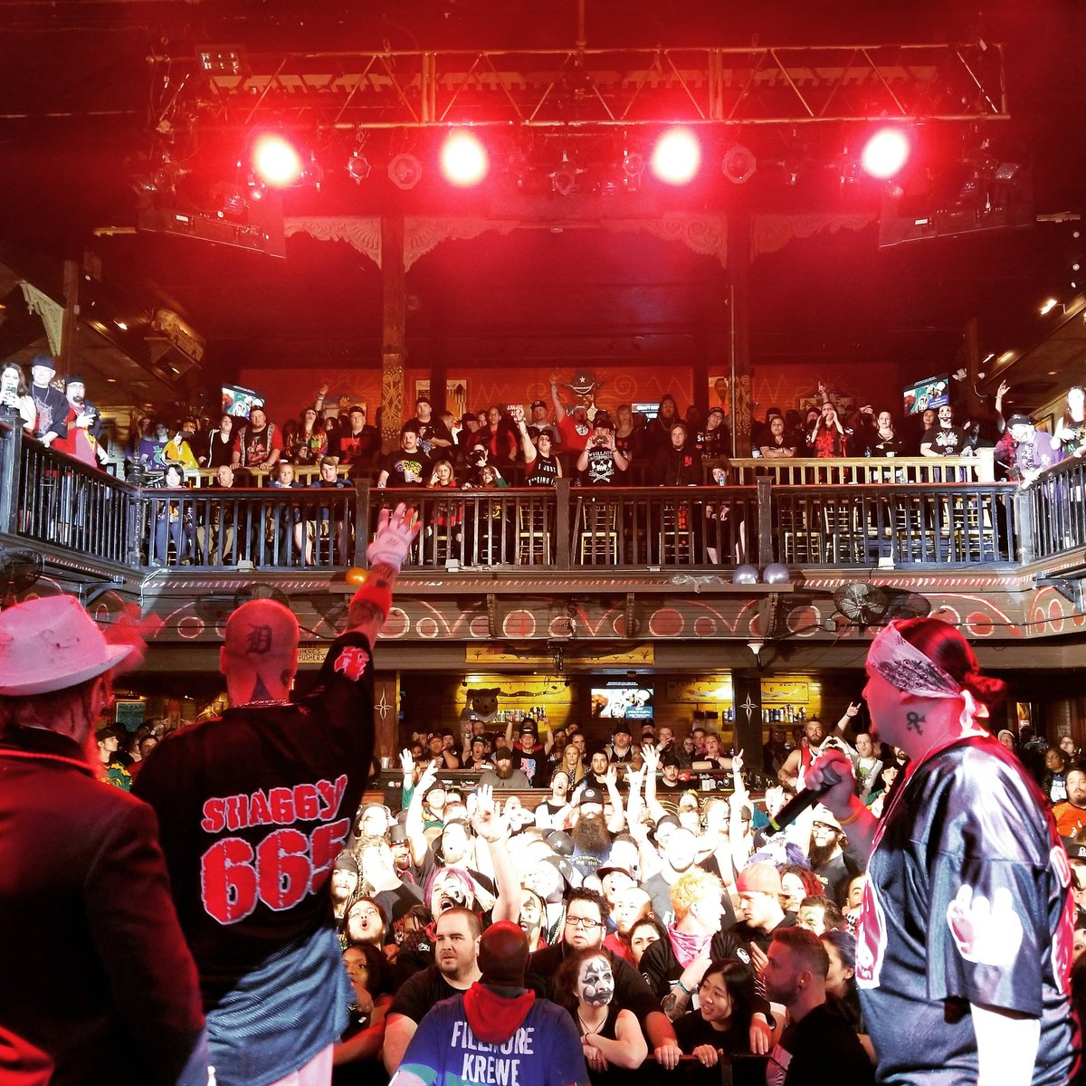 JUGGALOS! THAT&#39;S A WRAP FOR NIGHT ONE! See you tomorrow! #ICP #FFF #NOLA<br>http://pic.twitter.com/YJylcc3QwI