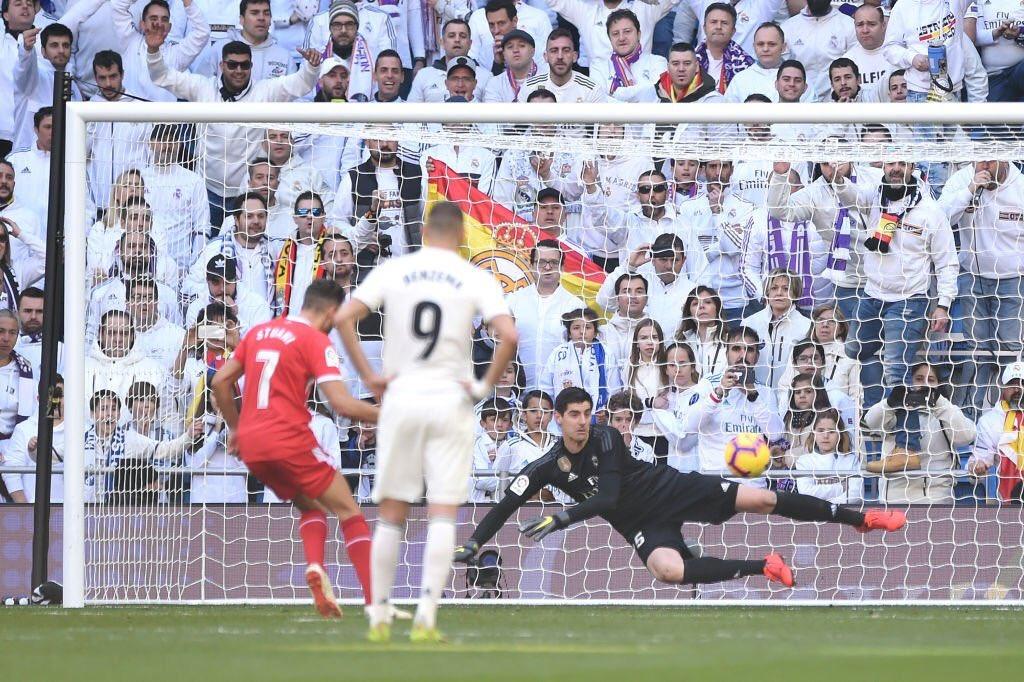 #LaLiga | #RMAGIR  Après avoir mené 1-0, le Real s'incline 2-1 au Santiago Bernabeu face à Girona ! Sergio Ramos a été exclu en fin de match