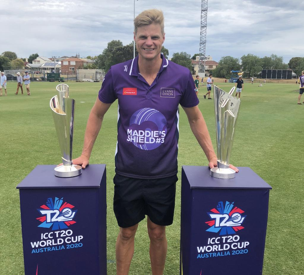 The #T20WorldCup trophies out in the community with Aussie Rules legend Nick Riewoldt for the Maddie's Shield Celebrity Charity T20 match.  The cricket wasn't quite World Cup standard, but lots of families came together for a great day out! 🏏