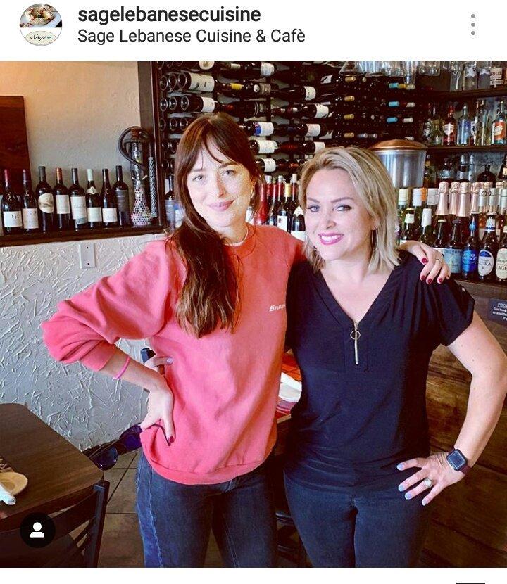 New fan pic of #DakotaJohnson   <br>http://pic.twitter.com/ALARGtxu56