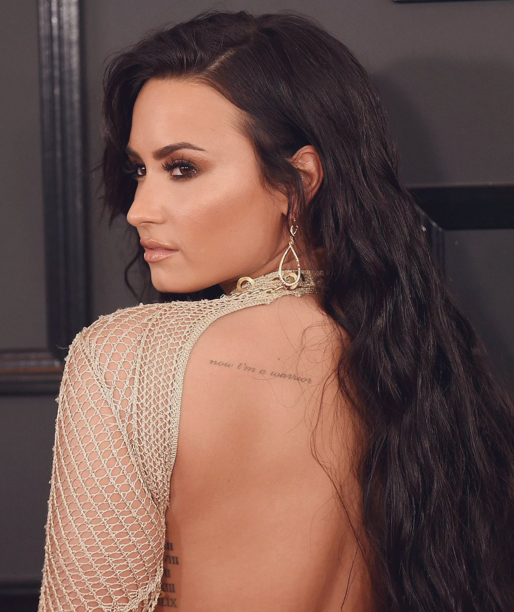 Demi Lovato's side profile is something unreal <br>http://pic.twitter.com/rXHRkyKGDv