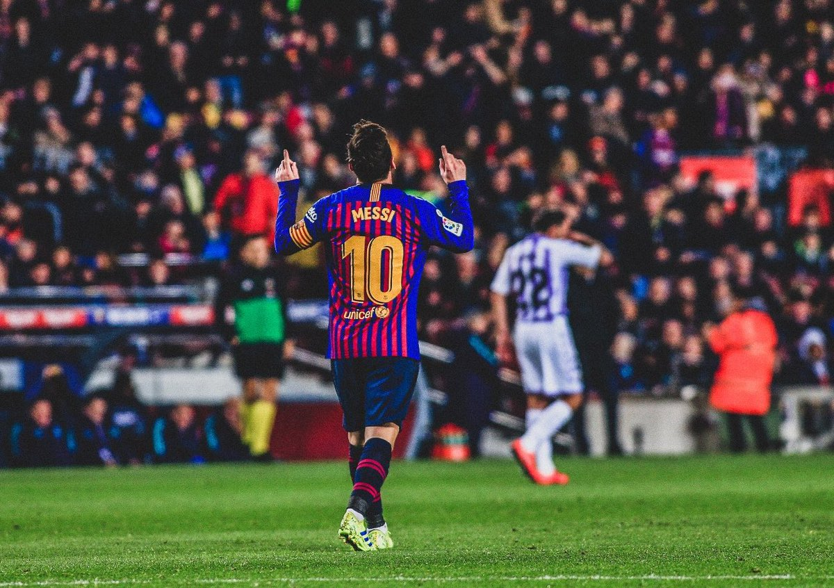 "🇪🇺 Europe's Top 5 Leagues this season:  ⚽ Most Goals: 🇦🇷 Lionel Messi  🎯 Most Assists: 🇦🇷 Lionel Messi  👟 Most Key Passes: 🇦🇷 Lionel Messi  🏃‍♂ Most Dribbles: 🇦🇷 Lionel Messi  🍾 Most MOTM Awards: 🇦🇷 Lionel Messi  🤷‍♂ ""5th best player in the world."""
