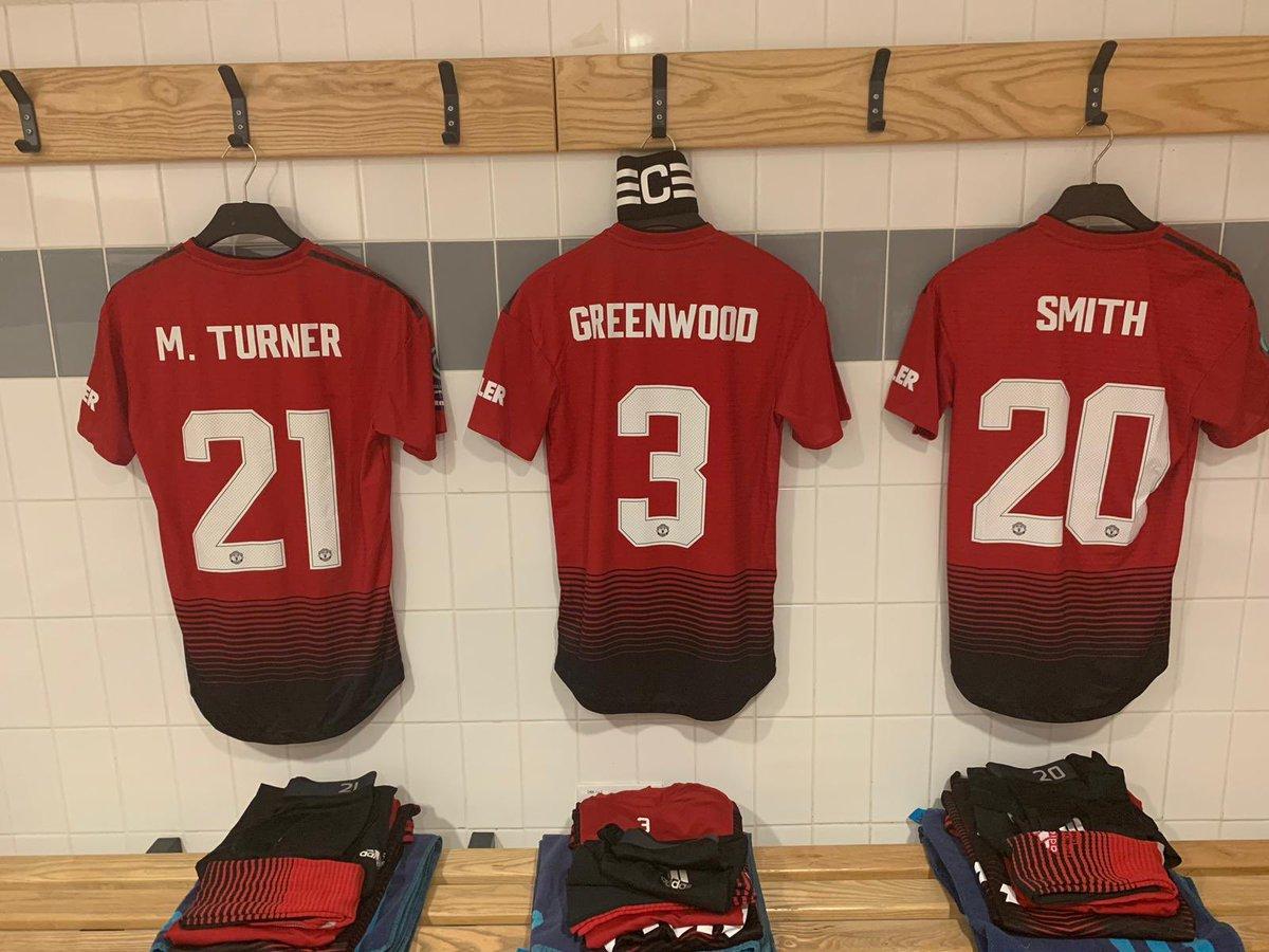 #MUWomen team to face London Bees (14:00 GMT kick-off): Chamberlain; Harris, Palmer, M. Turner, Smith; Greenwood (c), Green, Toone; Sigsworth, Devlin, Arnot .   Subs: Ramsey, Turner, Galton, James, Hanson.