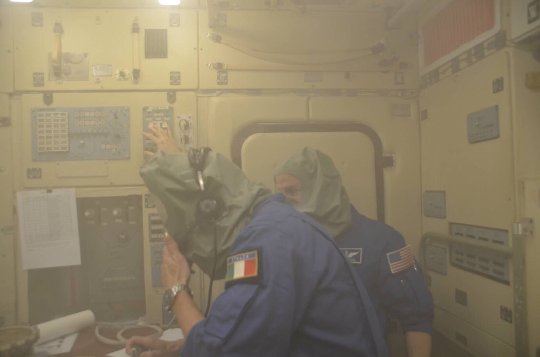 Another intense week of training in Star City. @AstroDrewMorgan, Alexander Skvortsov and I worked several fire scenarios; the last one was a critical, non extinguishable fire, that forced us to abandon the Station: we must wear a gas mask while getting the Soyuz ready. <br>http://pic.twitter.com/j0iKulDUZX