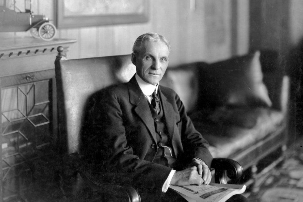الشركة الأولى التي أسسها قطب صناعة السيارات هنري فورد فشلت، وكذلك الثانية وكذلك الثالثة، حتى نجح أخيرا في تأسيس شركة فورد للسيارات في عام 1903 http://bit.ly/2DHzeWU