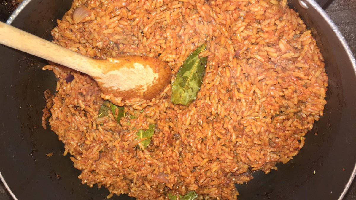 We are taking orders today for tomorrow.  We supply low budget chow to your office,  home and organization.   Happy Sunday  <br>http://pic.twitter.com/vCz6F9B8vn