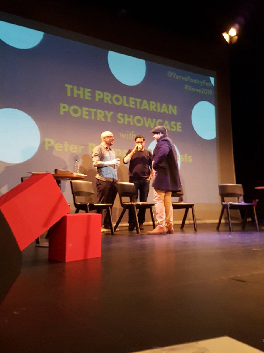 Stage is set for The Proletarian Poetry Showcase with @ProletarianPoet @darwishamir @BetaRish @Julwe1 Nadia Drews and Anna Robinson!