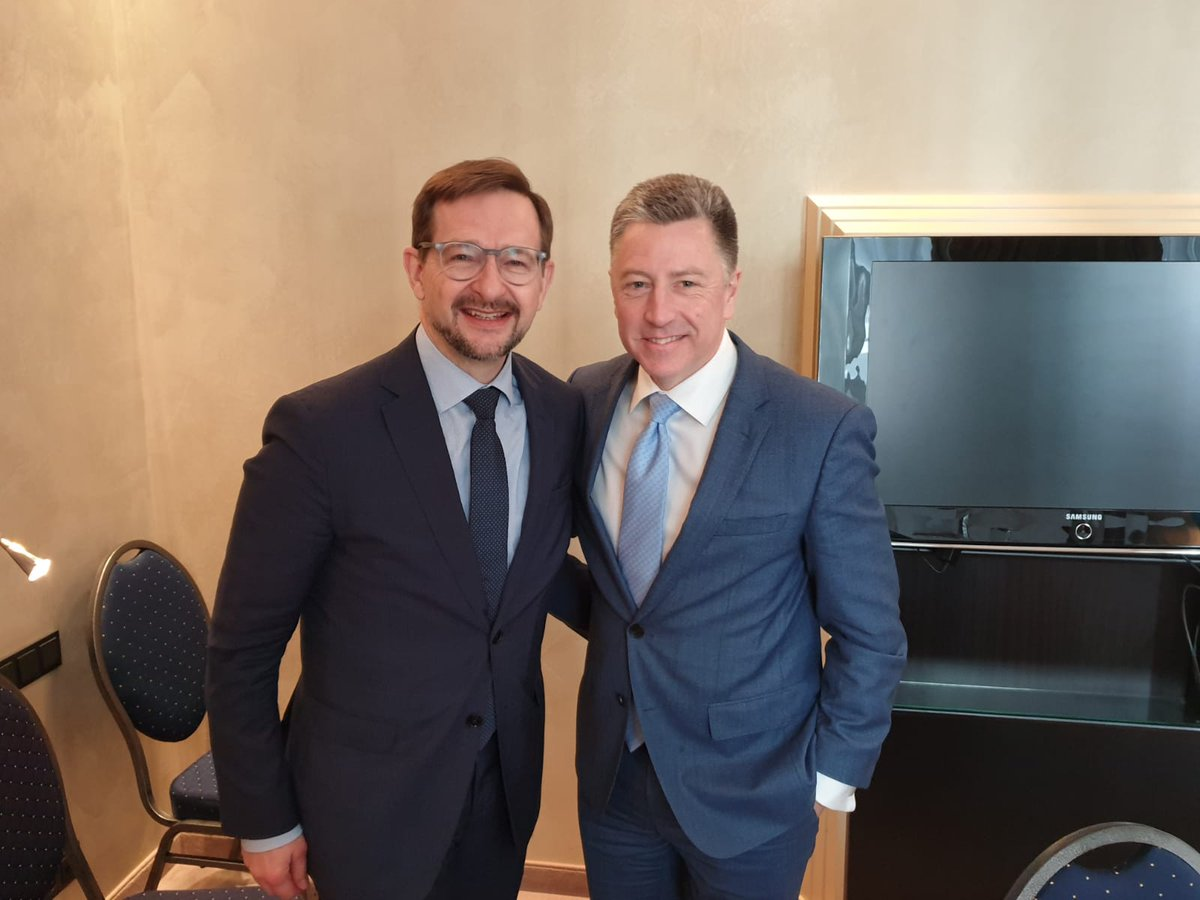 Discussed crisis in & around #Ukraine, @OSCE_SMM & viable confidence-building measures to protect the lives of civilians and the need for new political impulses for Minsk implementation with US @SpecRepUkraine Kurt Volker.