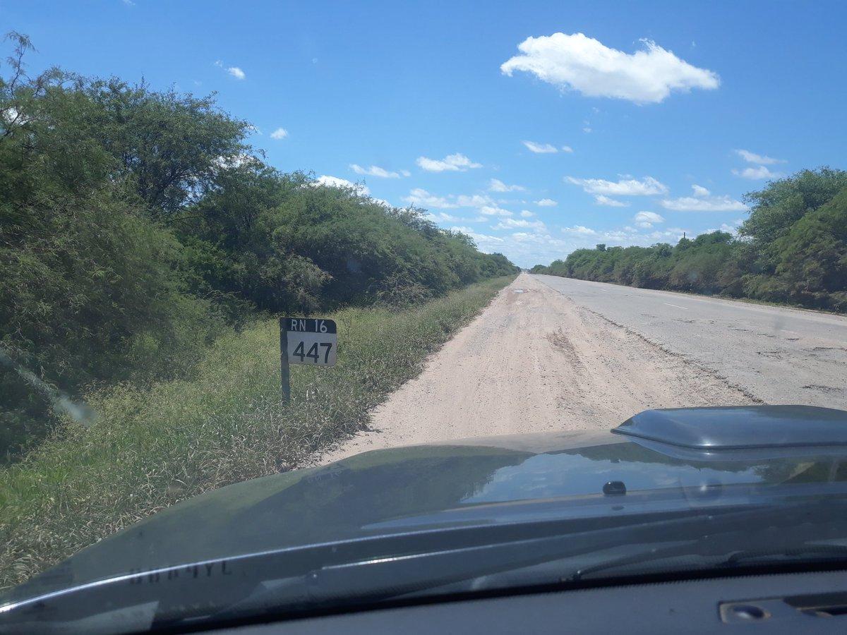 @Guillodietrich no t parece mucho? Hace años q está así este tramo entre Taco Pozo #Chaco y Monte Quemado #SantiagodelEstero #RN16 . Esta ruta une el #NEA con el #NOA