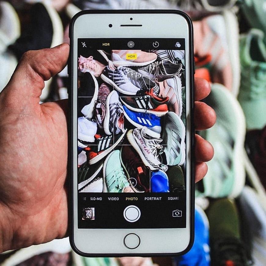 Kamu bisa dapatkan sepatu sneakers yang hits dan kekinian di IG:@ store__jt karena katalog produk nya selalu update dan menarik 👍. . . https://www.instagram.com/p/Bt-3EBWgTYw/ . .