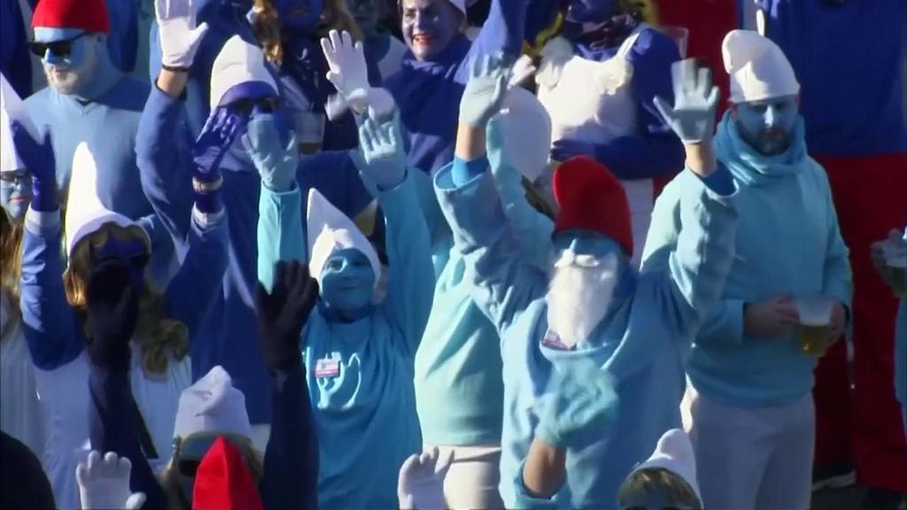 Germania, un raduno in blu: 2762 persone si traves...