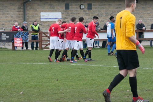🗞️ | Town share the points on the road against @SandbachFC_1st   For the match report, click the link below 👇 http://wythenshawetownfc.co.uk/news/post/town-share-the-points-on-the-road…  #Wythytown