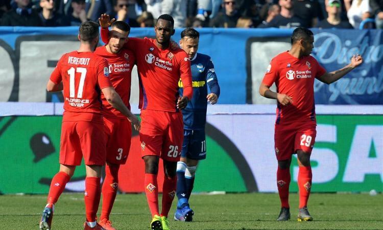 #SerieA | #SpalFiorentina  La Fiorentina écrase Spal 4-1 et vient provisoirement à la 9ème place. Spal est 15ème.