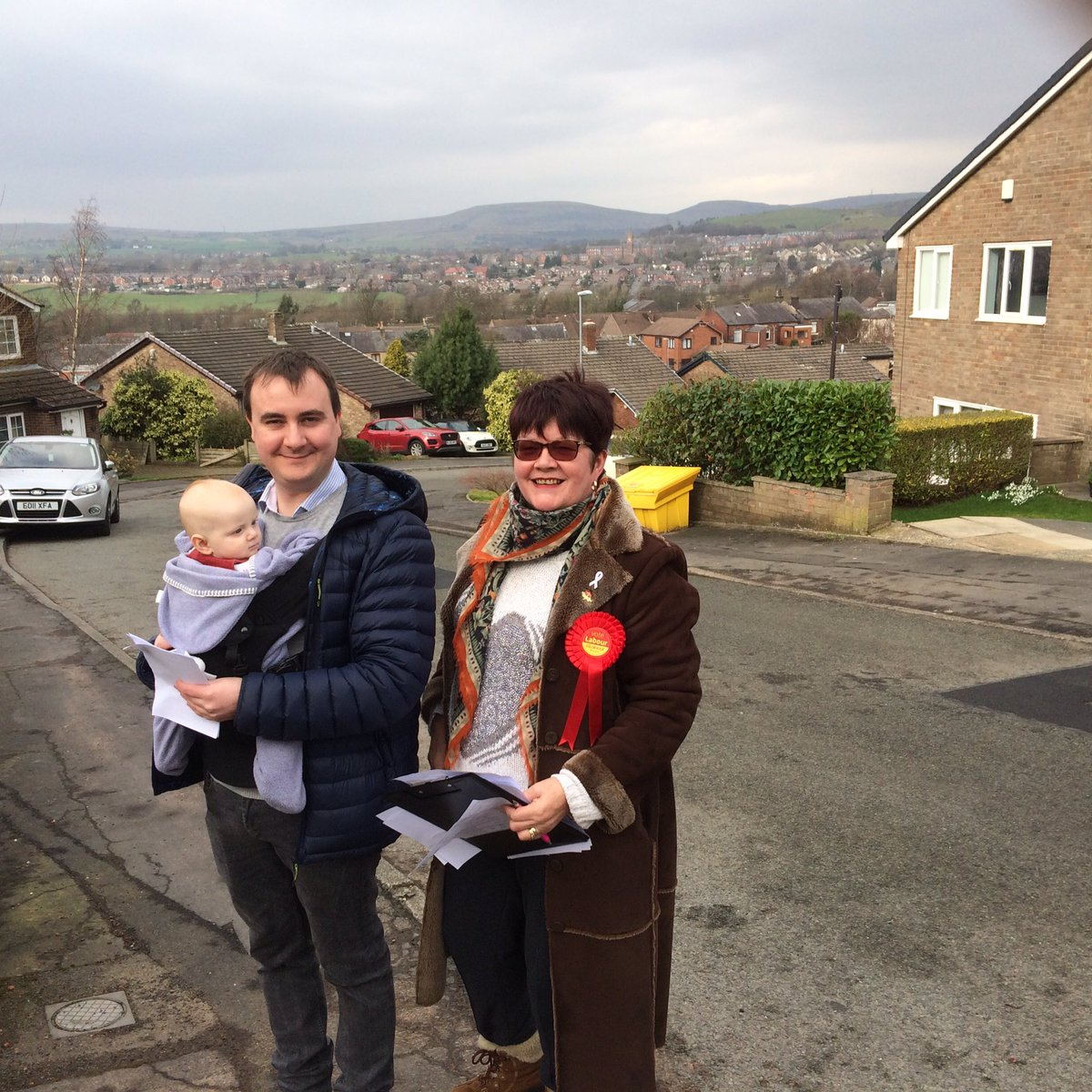 Start'em young! Nancy & @Tom_Besford out campaigning in Smithy Bridge, thanks to everyone who came out with us #voteLabour2019 @johnblundell993  @Liam_JF_ORourke @PTM101 @Rach31M @aasimrashid11 @cllriftikhar @Fre89yja @CouncillorNeilB @sara_rowbotham Shah Wazir & Shakil Ahmed