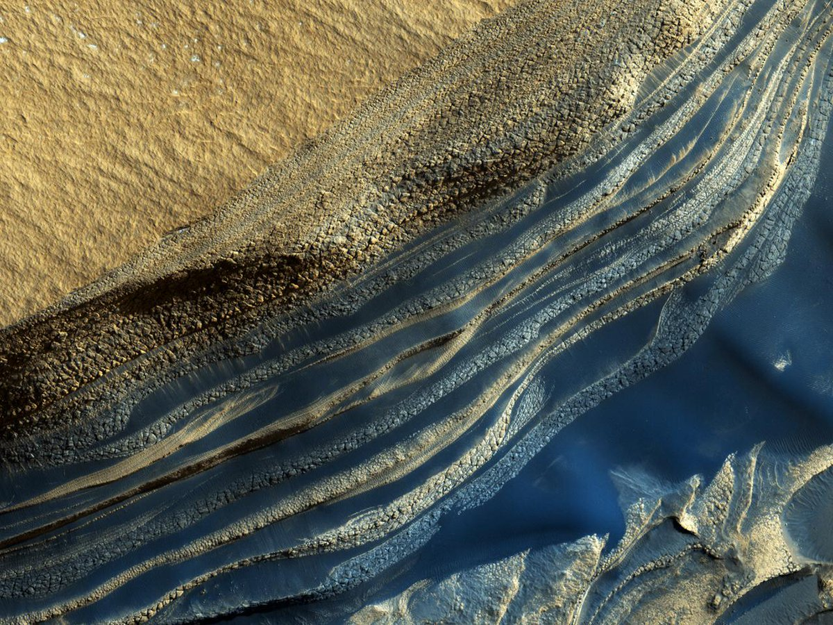 HiPOD 17 Feb 2019: The Beauty of the North Polar Layered Deposits  Caption Throwback: This 2006 image features exposures that are useful in understanding the climate variations Click the link below to read the full caption.  https://t.co/ENRmGdjWEv  #Mars #NASA  #science