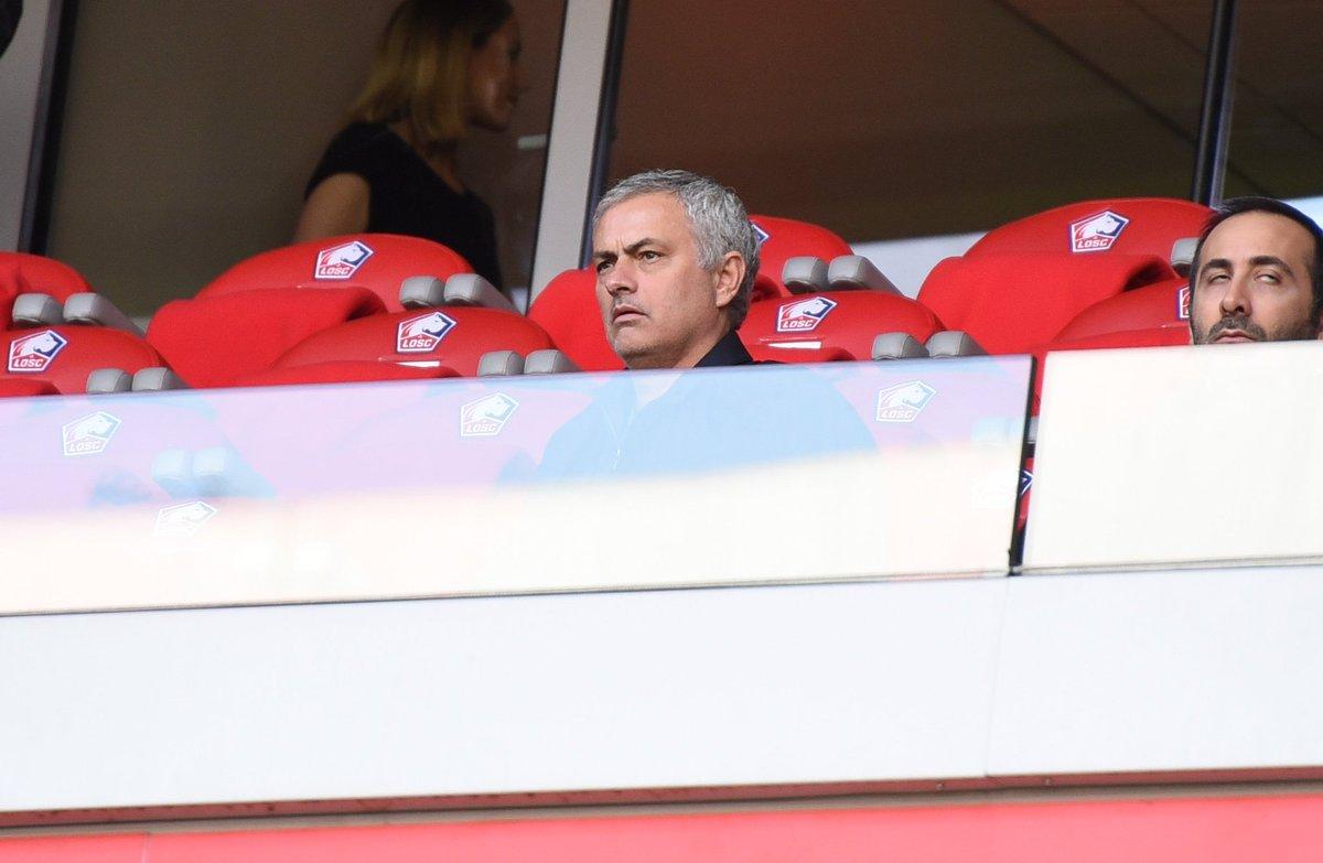 Un certain José Mourinho est présent à Lille pour assister à la rencontre entre le LOSC et Montpellier. 👀