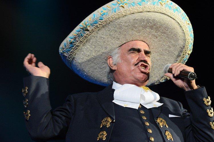 El 17 de febrero de 1940, nació el actor y cantante mexicano @_VicenteFdez #FelizCumpleaños 🍾🎉😁🍻🎁🎂😅🎊🍰🥂😉🥃🎶