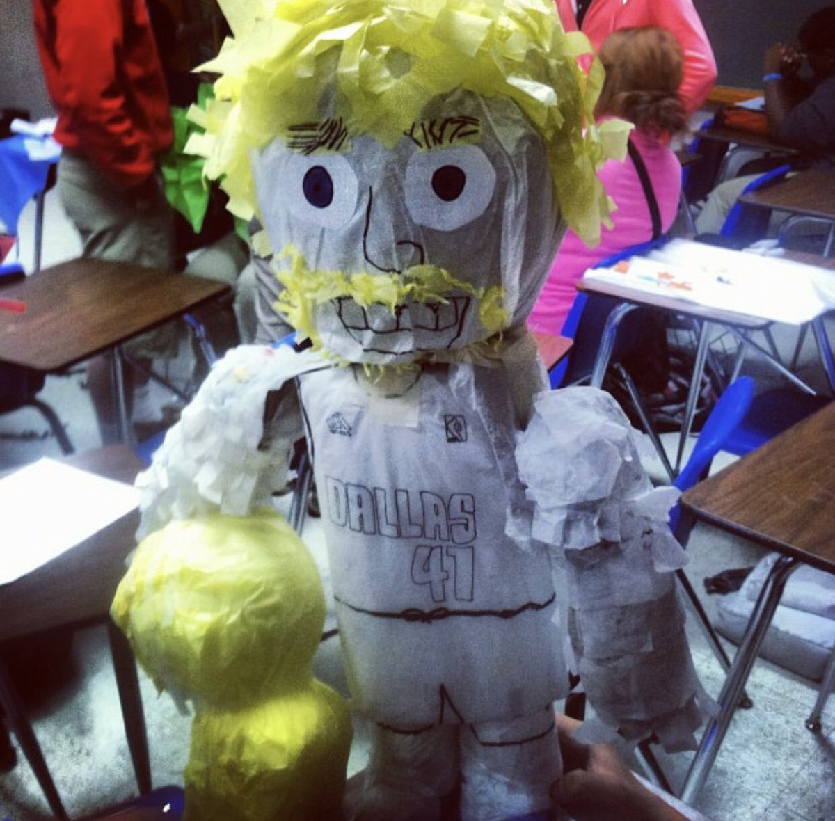 Totally forgot about this from my senior year in high school 14'. For my Spanish class project I made a #DirkNowitzki piñata