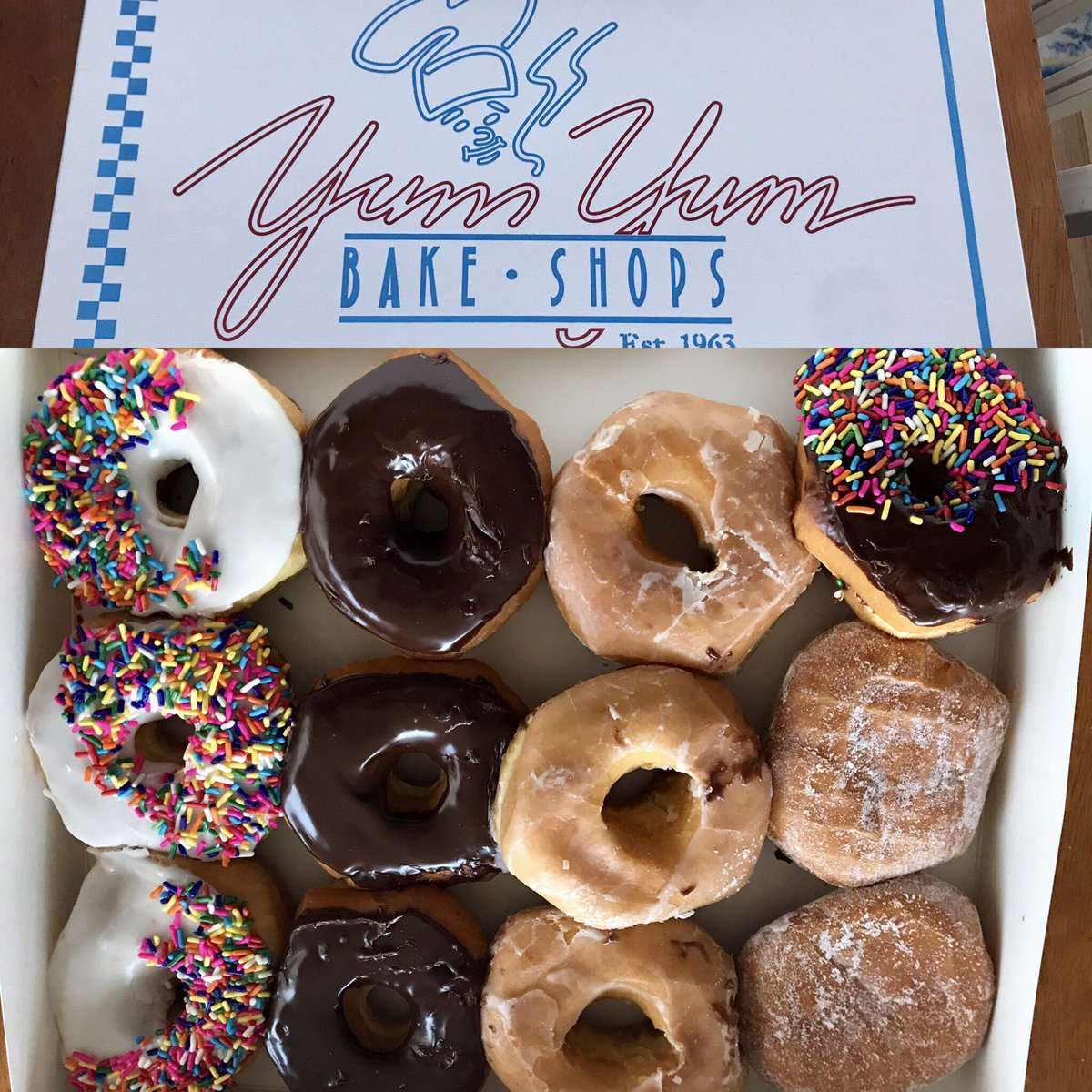 This just happened. #DonutsMakeMeGoNuts #YumYumBakeShops #FlyEaglesFly #Phillies #Sixers #Flyers @Eagles @NHLFlyers @Phillies @sixers #HereTheyCome