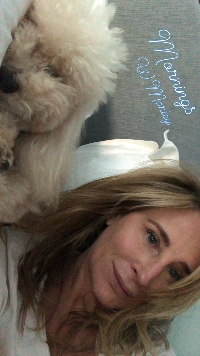 Morning darlings. Look at my darling! We loved CT for parents weekend but home is heaven too! Thx @LitchfieldInnCT for being so dog friendly  @Bravotv