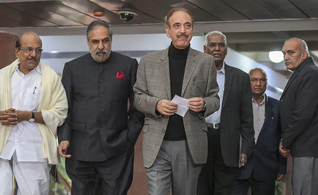 """Opposition refused to sign """"blank cheque"""" in all-party resolution on #Pulwama https://www.ndtv.com/india-news/opposition-refused-to-sign-blank-cheque-in-all-party-resolution-on-pulwama-1994973…"""
