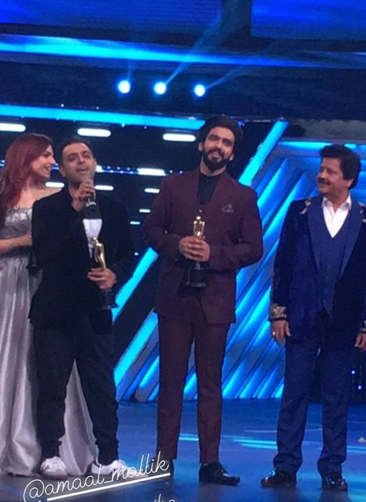 Many many congratulations. @amaalmallik  and the entire #SonuKeTituKiSweety music team  For achieving the #AlbumOfTheYear  award at mirchimusicaward2019 U r deserve this award  2019 ka year aap ke naam hai  #JudgeAmaalMallik #achieveawards #originalsongs Lots of love <br>http://pic.twitter.com/oZWmSGCwDu