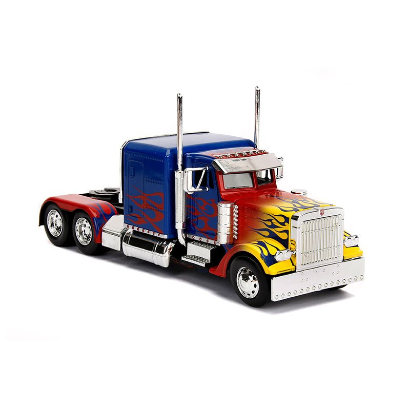 Bring the action home with this collectible 1:24 scale die-cast metal replica of Optimus Prime from @JadaClub.  Pre-order now!  ►  http://eearth.us/?l=z3zkpp   #icollectatee #transformers #TFNY #NYTF #ToyFair #diecastpic.twitter.com/0jTUDmrjiK  by Entertainment Earth