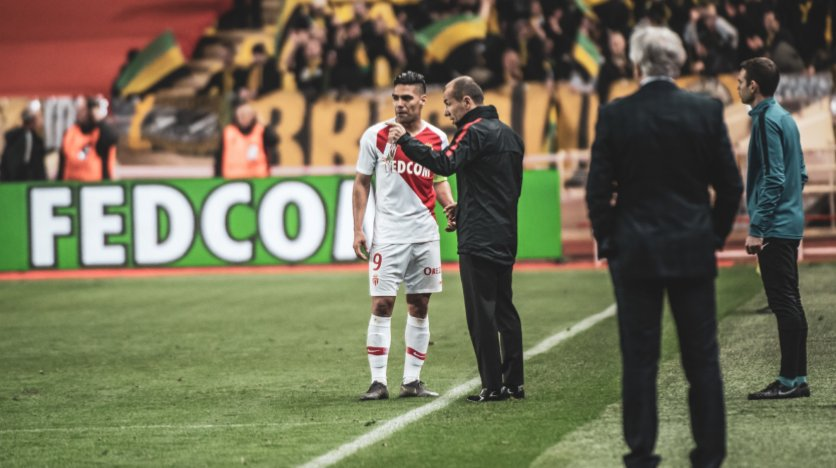 Let&#39;s just take a moment and appreciate this man, Leonardo Jardim. He was wrongfully sacked, and yet he came back to Monaco because the club reached to him for help. Under Jardim, Monaco is re-born and playing like a team again. Thank you boss, @leonardojjardim  <br>http://pic.twitter.com/qYYFcCstbn