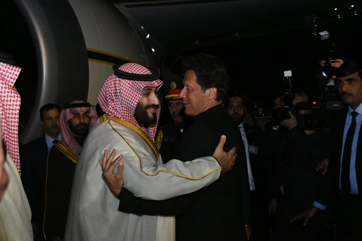 A historic moment as His Highness, the Crown Prince of the Kingdom of Saudi Arabia, Mohammed Bin Salman is received by Prime Minister Imran Khan on his arrival at Nur Khan Air Base.  Long live Saudi-Pakistani brotherhood!  #WelcomePrinceMBS #CrownPrinceinPakistan<br>http://pic.twitter.com/tXRorDQ7J5