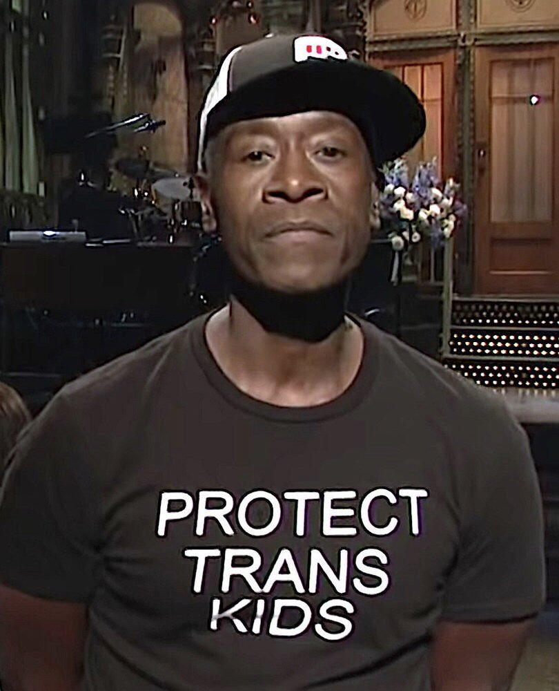 TFW you wake up to 10,000 texts that absolute legend @DonCheadle made an incredible statement on @nbcsnl last night. And also wore a Sleeping Giants hat!!!  Thank you, Mr. Cheadle, for all of your support.