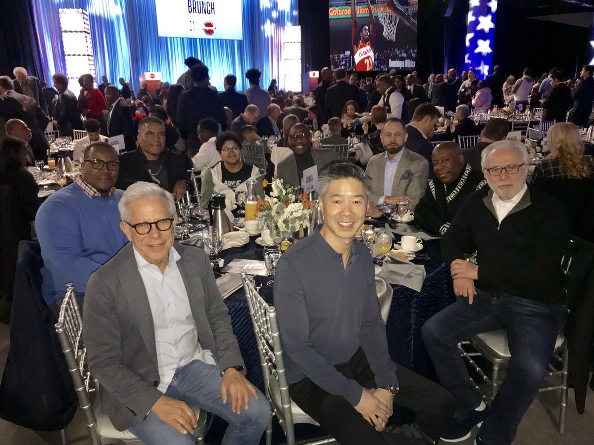 My pals in the 🐺 Pack enjoying the 20th Annual @NBA All-Star Weekend Legends Brunch honoring the greatest former players. They are true legends.