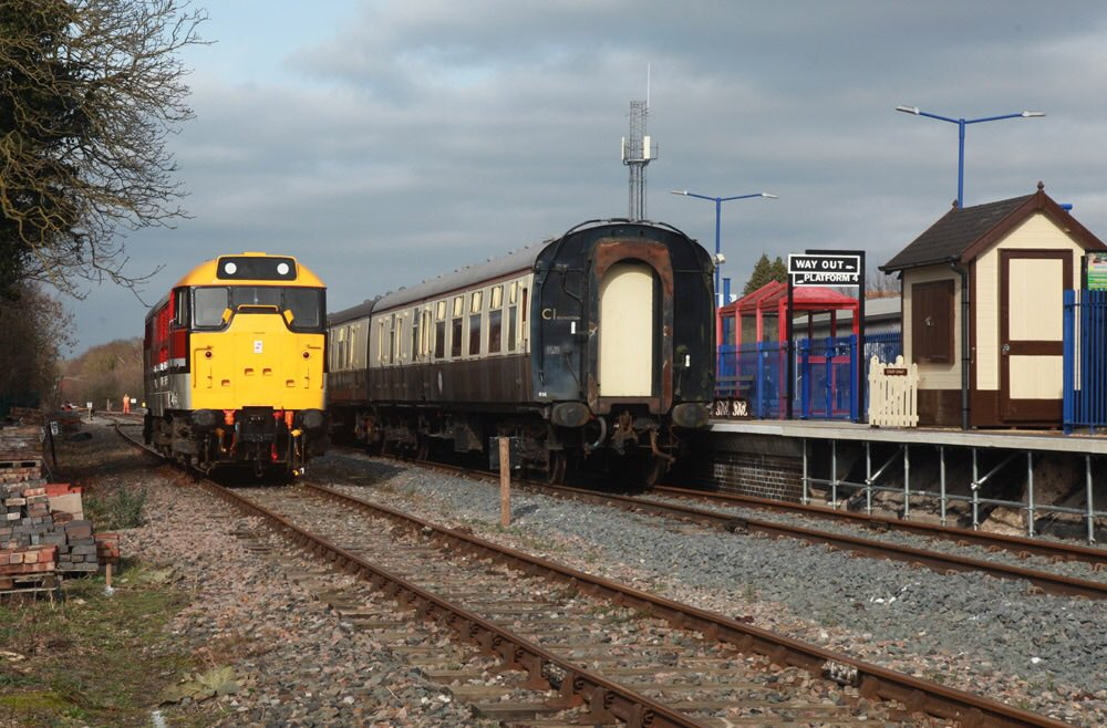It also tested the new run around loop at Princes Risborough which will  allow us to switch from top+tail back to normal hauled  services.pic.twitter.com/ ...