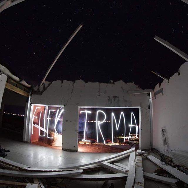 Fuck Irma ! 18 mois plus tard, je retombe sur ces clichés... balade nocturne dans une villa abandonnée. @discoversaintmartin @saintmartin @_likka__ http://bit.ly/2V1cW9H