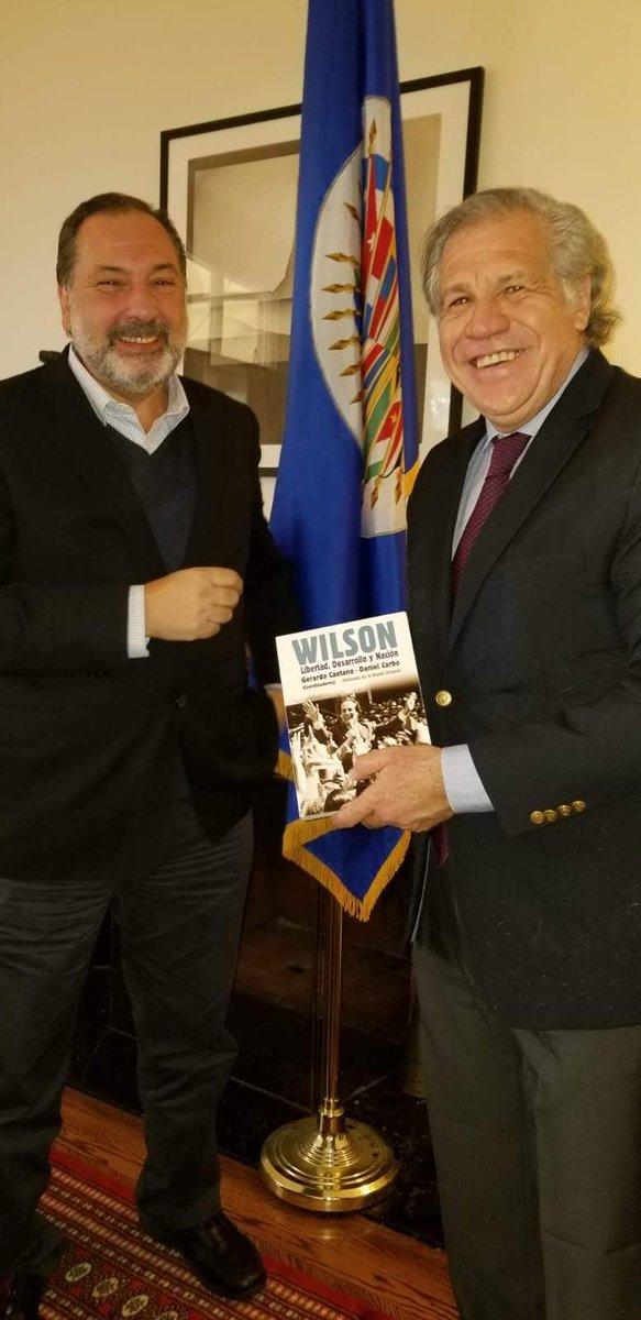 Me reuní con Presidente del Parlamento Uruguay @jorgegandini con quien coincidimos en apoyo al proceso de transición democrática y elecciones encabezado por @jguaido así como en necesidad de envío de ayuda Humanitaria a Venezuela