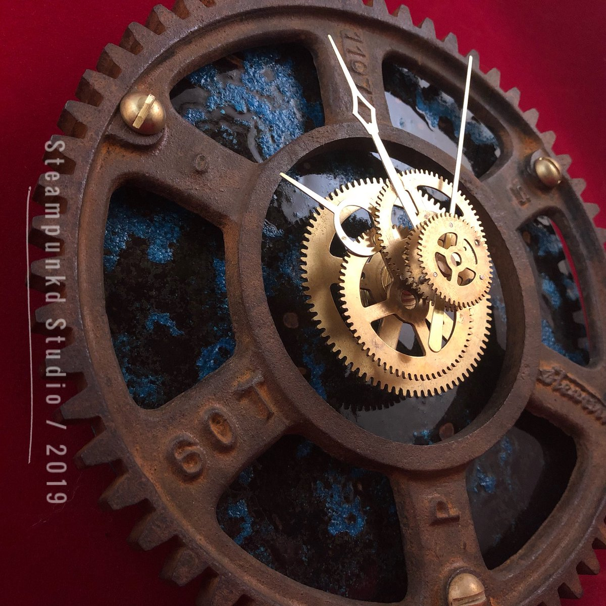#Steampunk Clock No. 6  Ford Model T Speedometer Road Gear  https://t.co/iQ5DK6RVDv   #dieselpunk #steampunkdstudio #ford #modelT #classiccars #automotive #gearhead #postapocalyptic #art #artist #wallart #metalhead #handmade #alternative #decor #copper #clock #craftsman #vintage