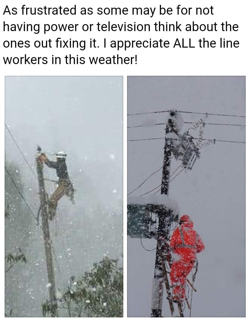 This is y lineman need a union with the BEST HEALTHCARE &amp; a DEFINED PENSION PLAN w/ JOB SECURITY anything can go wrong &amp; we need 2 not just provide 4 our families now but in the future u can't do this work at 70 #SpectrumStrike @NYSAFLCIO @IBEWLocalUnion3 @ZephyrTeachout <br>http://pic.twitter.com/RkstNOf9o2