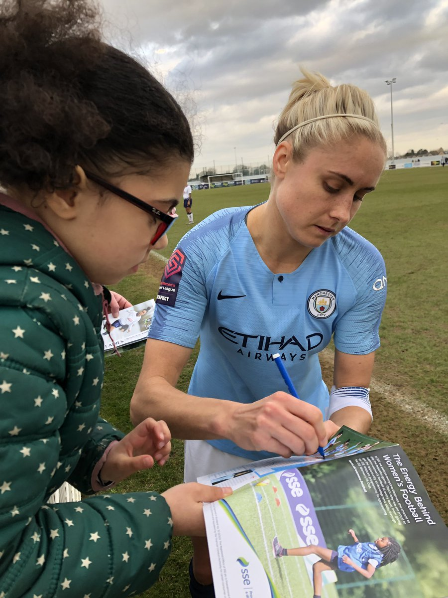 Great afternoon watching @SSEWomensFACup @ThlfcOfficial v @ManCityWomen with the family. Pretty amazing for my 7yo getting to meet the biggest stars of the game. Thank you @stephhoughton2 @JillScottJS8  Read @SuzyWrack's match report here: https://amp.theguardian.com/football/2019/feb/17/self.html…