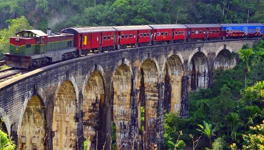 Jobs fill your pocket, but #adventures fill your soul. #Travel #Train - http://SAVEATRAIN.COM