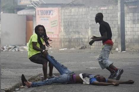 Протестующие на Гаити просят Россию помочь