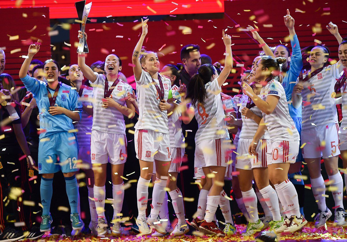 Campeonas de Europa!! Enhorabuena a nuestras jugadoras de la Selección Española de Fútbol Sala 🇪🇸🇪🇸🎉 que se han impuesto a Portugal por 4-0 #futsal #Europeofemenino #UEFAWomensFutsalEuro #campeonas