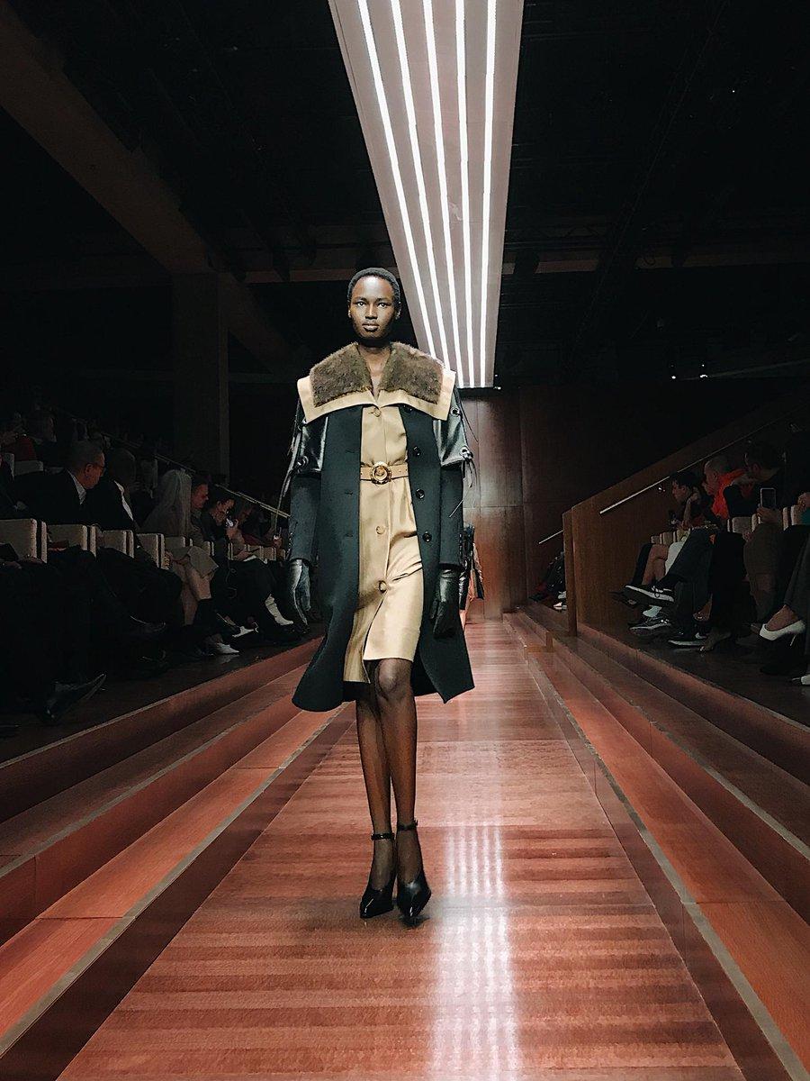 Nyarach Ayuel in Look 90 from #Tempest, Riccardo Tisci's second runway collection #BurberryShow #LFW  https://t.co/ReUNhLFNek