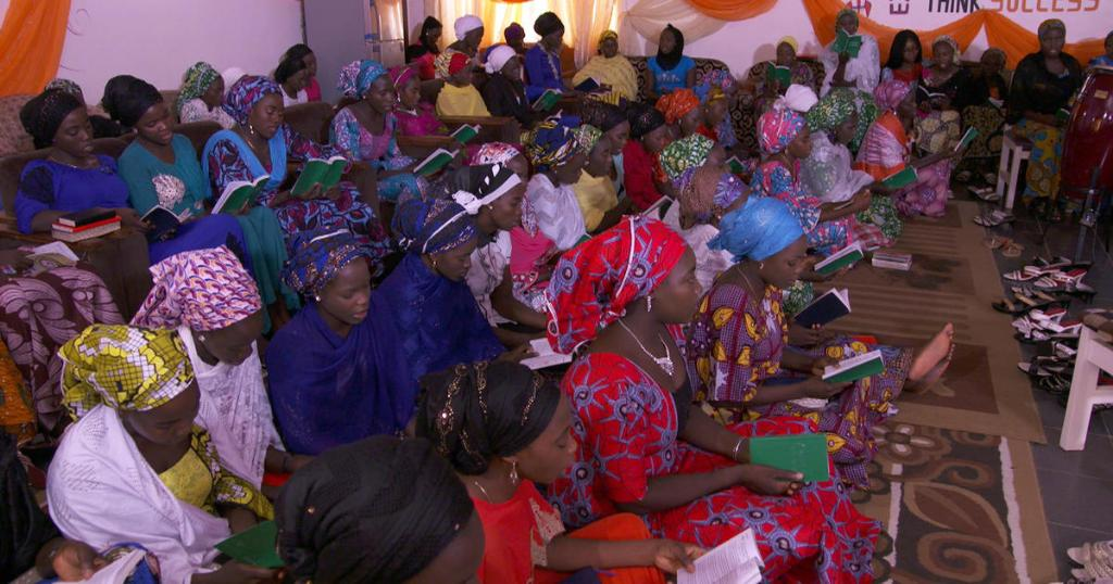 You may have heard of the Chibok girls, when 276 of them were kidnapped by the Islamic terrorist group Boko Haram. But you probably haven't heard from them since their release.   On @60Minutes, Lesley Stahl got a glimpse of life for a few who were set free  https://t.co/knj4yCiRWA