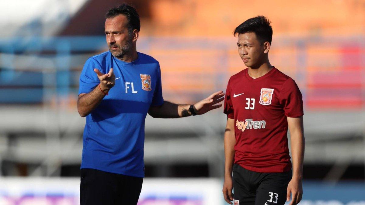 """Fabio Lopez Siapkan Kejutan Di Sleman  🗣️ """"Kami harus memainkan permainan kami dan mencoba untuk membawa pulang target agar bisa lolos,""""   Selengkapnya 👇 http://borneofc.id/news.php?id=2737…  #Manyala 🔥🔥🔥"""