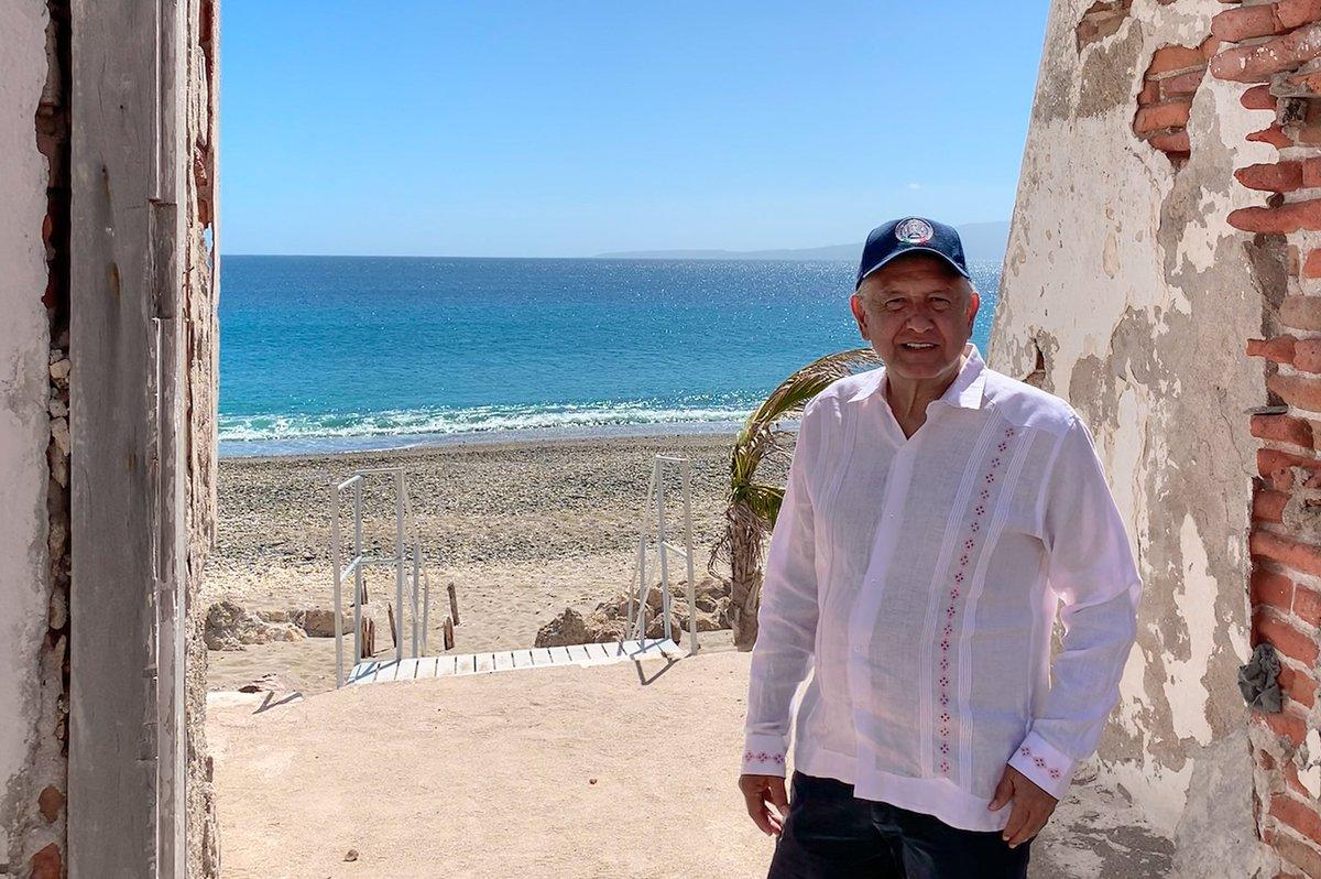 Hoy estuve en las Islas Marías con algunos miembros del Gabinete. Mañana informaré que, después de más de un siglo, dejará de ser prisión.