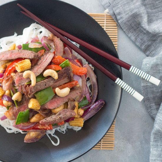 Beef Stir-Fry With Cashew Nuts. #healthymeals #asianfood #eat http://bit.ly/2rTgPRO