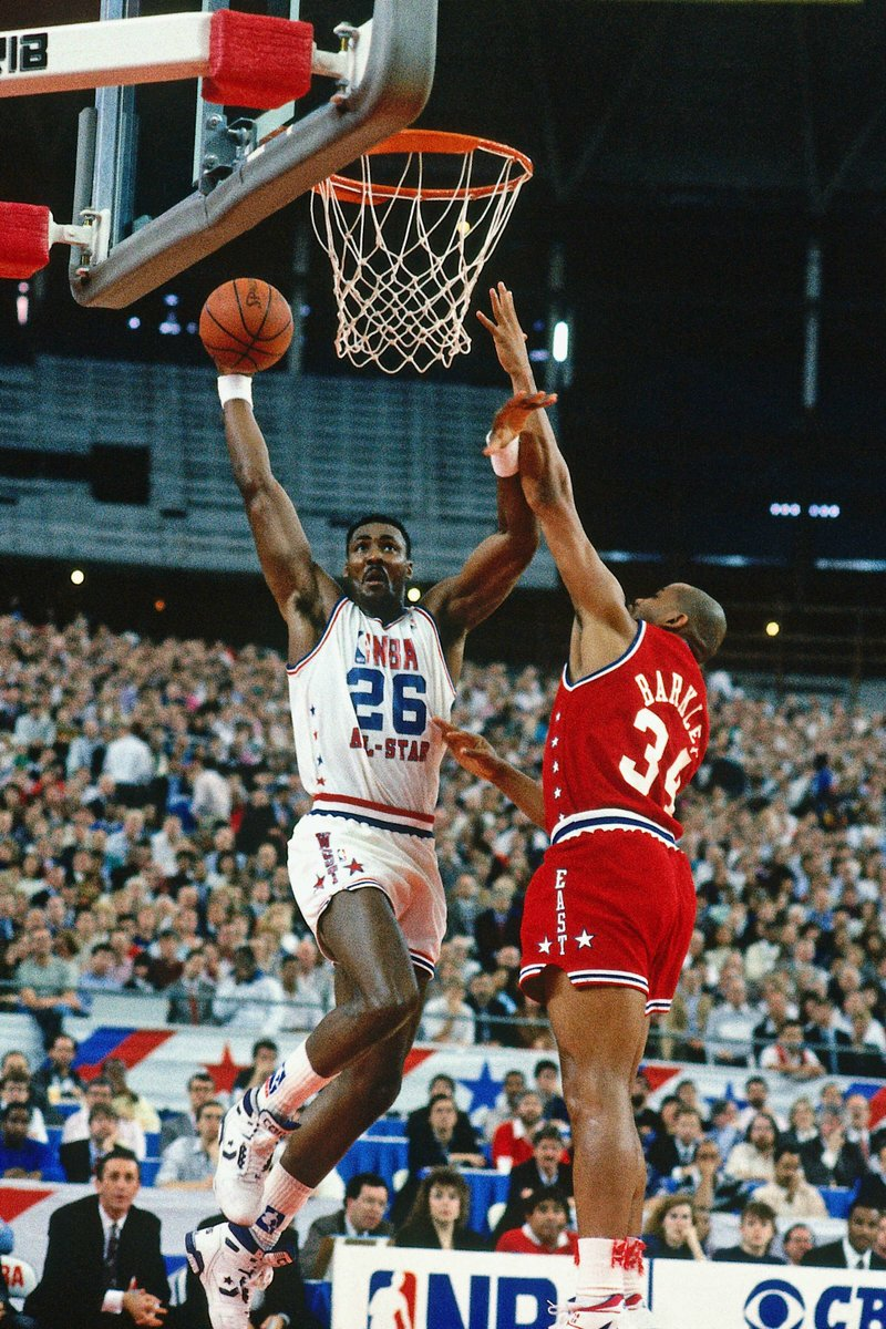 30 Years Ago: Karl Malone drops 28 points in 26 minutes in front on an @NBAAllStar Game record crowd of 44,735 at the Houston Astrodome. It was Mailman's first  @NBAAllStar Game MVP. Final Score: West 143, East 134, Feb. 12, 1989).