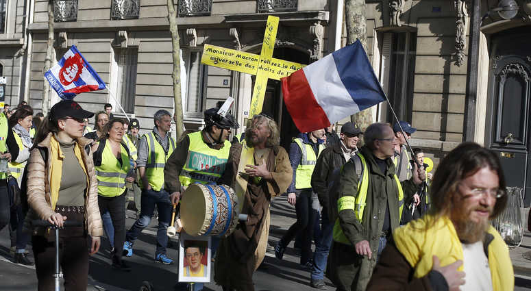 Verbal attack on French philosopher new anti-Semitism jolt https://t.co/AIWPkGOqLF