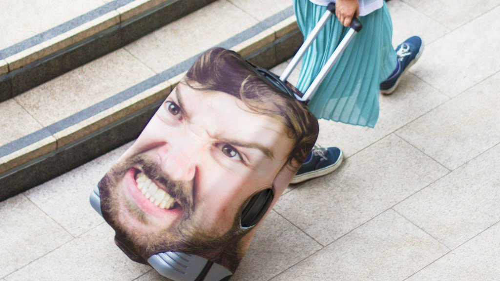 You can now put your face on your luggage https://t.co/mgU0L8nJqD